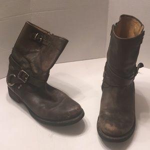Frye Women Veronica Criss Cross Short Boot size 9